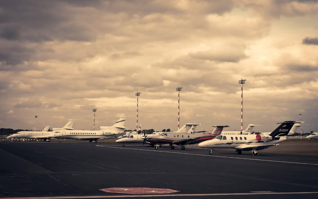 Why Businessmen Should Rent a Private Jet Charter