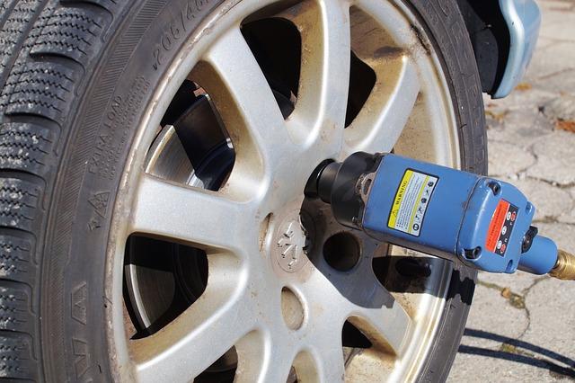 tire service provider semi truck roadside assistance
