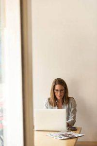 businesswoman e fulfillment popular trends